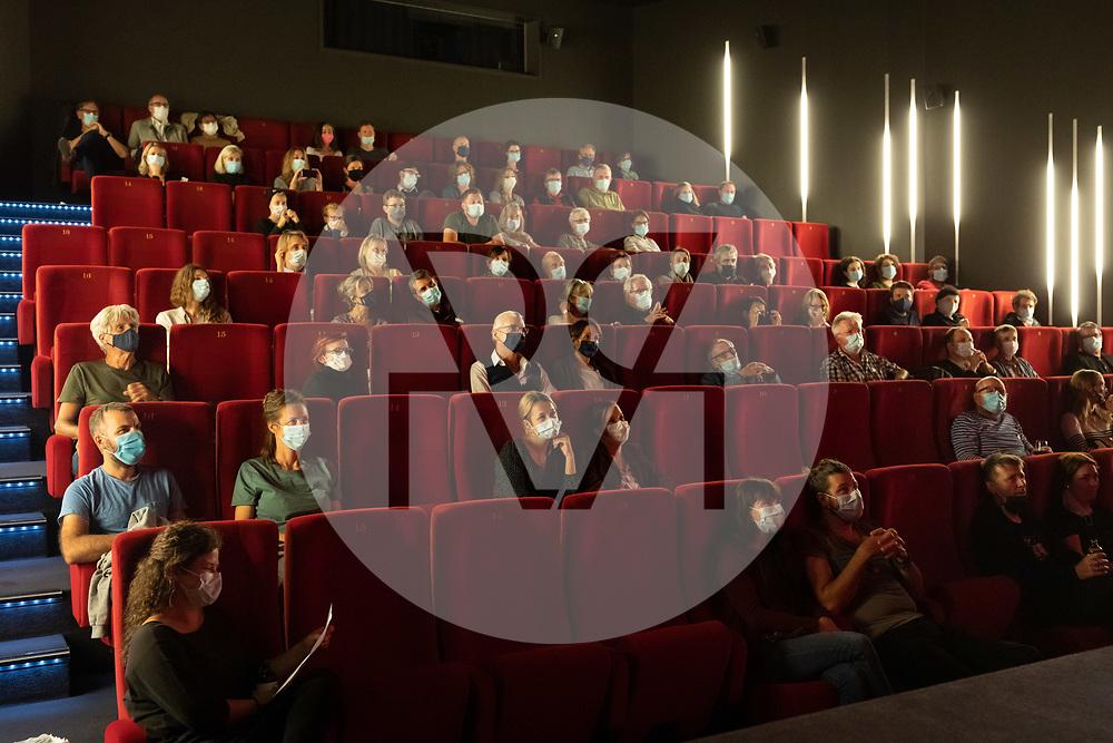 SCHWEIZ - BADEN - Filmpremiere von 'Solostunde' von Heinz Winter, ein Film über das musikalische Schaffen von Max Lässer, im Kino Sterk - 24. September 2020 © Raphael Hünerfauth - http://huenerfauth.ch