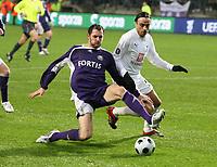 Photo: Maarten Straetemans/Sportsbeat Images.<br /> Anderlecht v Tottenham Hotspur. UEFA Cup. 06/12/2007.<br /> Van den Borre (Anderlecht) with Dimitar Berbatov from Tottenham