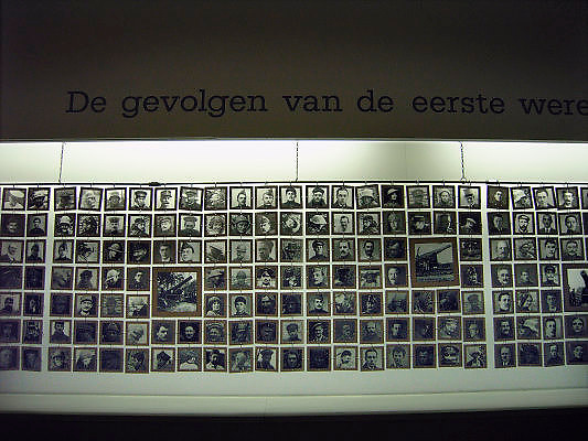 Belgie, Diksmuide, 4-9-2005..In het ijzermonument. Het 70 meter hoge gebouw herbergt een museum over die oorlog en de vlaamse geschiedenis erna. Vlaanderen, nationalisme, onafhankelijkheid, symbool , de grote oorlog. the great war, belgium, WW-1, monument. eerste wreldoorlog. ..Foto: Flip Franssen/Hollandse Hoogte