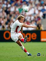 Photo: Richard Lane/Sportsbeat Images.<br />England v Samoa. Pool A, IRB Rugby World Cup, RWC 2007. 22/09/2007. <br />England's Jonny Wilkinson kicks.