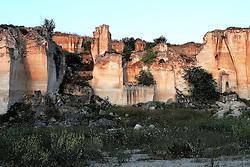 Cava di pietra calcarea dismessa, localitŕ Belvedere, San Giorgio Jonico (TA)