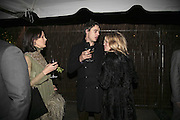 Lucy Ferry, Pete Docherty and Kate Moss, Vogue 90th birthday party and to celebrate the Vogue List, Serpentine Gallery. London. 8 November 2006. ONE TIME USE ONLY - DO NOT ARCHIVE  © Copyright Photograph by Dafydd Jones 66 Stockwell Park Rd. London SW9 0DA Tel 020 7733 0108 www.dafjones.com