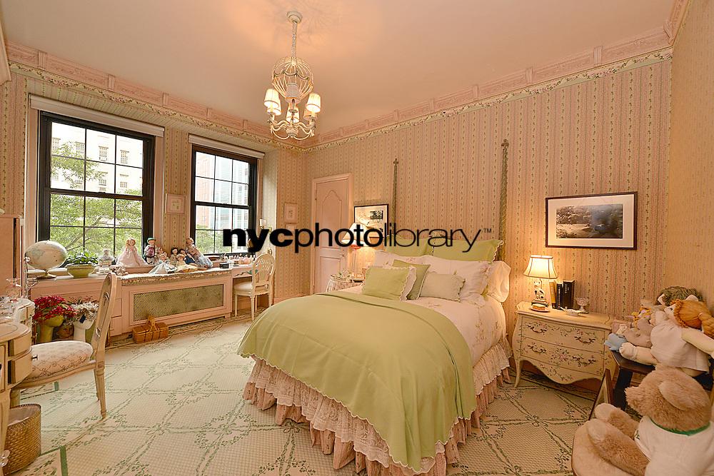 Bedroom at 860 Park Avenue