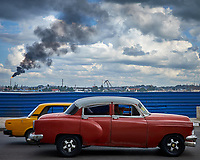 Vintage Taxi in Havana. Image taken with a Fuji X-T1 camera and Zeiss 32 mm f/1.8 lens.