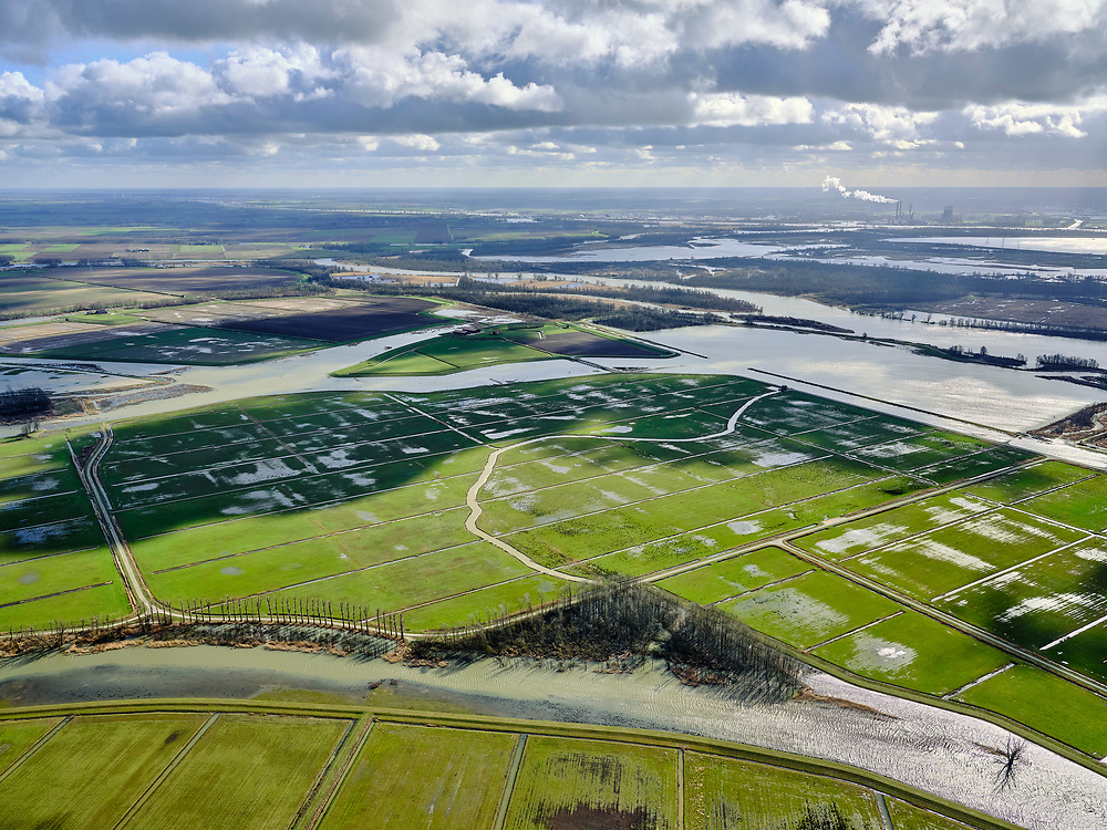 Nederland, Noord-Brabant, Drimmelen, 25-02-2020; Brabantse Biesbosch, zicht Polder Noordwaard, met Boomgat en Kooigat. Het tweede deel van de Noordwaard Polder dient als overloopgebied bij hoogwater.<br /> Brabantse Biesbosch, view of Polder Noordwaard, with Boomgat and Kooigat. The second part of the Noordwaard Polder serves as an overflow area at high water.<br /> luchtfoto (toeslag op standard tarieven);<br /> aerial photo (additional fee required)<br /> copyright © 2020 foto/photo Siebe Swart