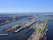 Nederland, Noord-Holland, IJmuiden;  03-23-2020; <br /> Sluiscomplex IJmuiden met de zeesluizen van het Noordzeekanaal, de Noordersluis, Middensluis en Zuidersluis. Parallel aan de Noordersluis wordt een nieuwe grote zeesluis gebouwd. Naast het sluizencomplex het spuikanaal en de spuisluis.<br /> Lock complex IJmuiden, parallel to the large Northern Lock a new large sea lock will be build.<br /> <br /> luchtfoto (toeslag op standard tarieven);<br /> aerial photo (additional fee required)<br /> copyright © 2020 foto/photo Siebe Swart