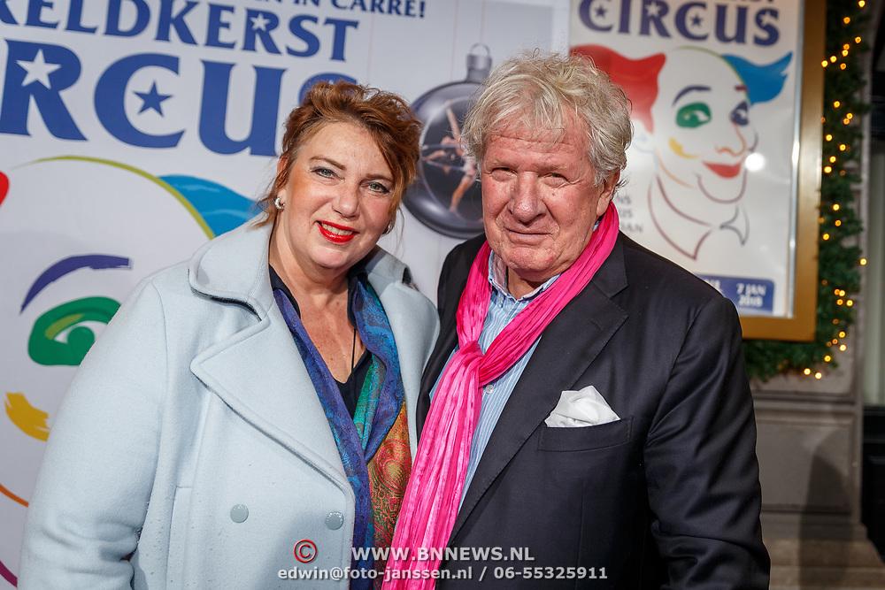 NLD/Amsterdam/20171221 - Premiere 33e Wereldkerstcircus, Willibrord Frequin en partner Gesina Lodewijkxs