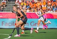 ANTWERPEN - Laurien Leurink (Ned)  tijdens de finale  dames  Nederland-Duitsland  (2-0) bij het Europees kampioenschap hockey.   Nederland prolongeert de titel. COPYRIGHT  KOEN SUYK