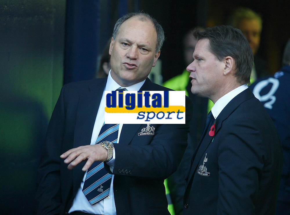 13/11/2004 - FA Barclays Premiership - Tottenham Hotspur v Arsenal - White Hart Lane<br />Tottenham's manager Martin Jol chats with the Tottenham Director of Footbal Frank Arnesen<br />Photo:Jed Leicester/Back page images
