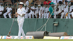 July 19, 2018 - Colombo, Sri Lanka - South African cricketer Dale Steyn handles a Hand Tamp during the first day of the 2nd test cricket match between Sri Lanka and South Africa at SSC International Cricket ground, Colombo, Sri Lanka on Friday 20 July 2018  (Credit Image: © Tharaka Basnayaka/NurPhoto via ZUMA Press)
