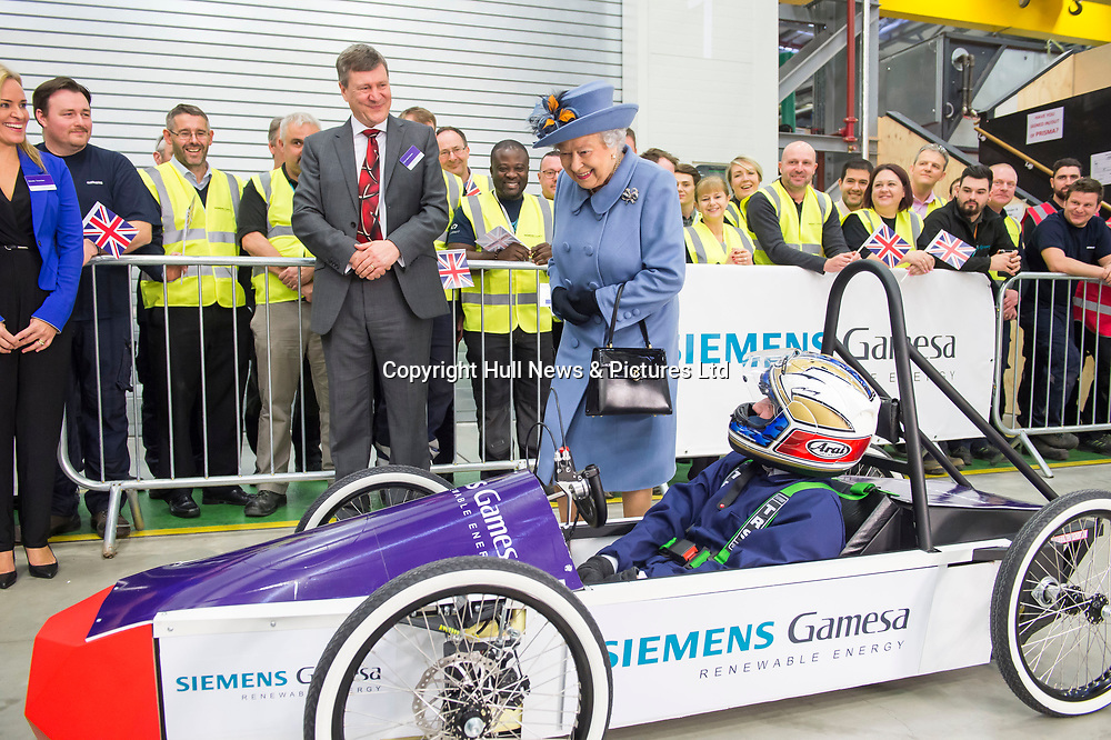 16 November 2017: The Queen visits the Siemens Gamesa Renewable Energy Blade Factory.<br /> Picture: Sean Spencer/Hull News & Pictures Ltd<br /> 01482 210267/07976 433960<br /> www.hullnews.co.uk         sean@hullnews.co.uk