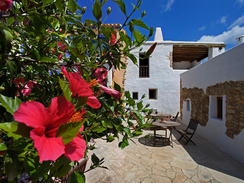 21/Junio/09 Eivissa<br /> Agroturismo Can Escandell. Patio<br /> <br /> © JOAN COSTA