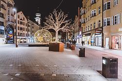 THEMENBILD - beleuchtete Maria Theresien Strasse, aufgenommen am 23. Jänner 2021 in Innsbruck, Oesterreich // illuminated Maria Theresien Street in Innsbruck, Austria on 2021/01/23. EXPA Pictures © 2021, PhotoCredit: EXPA/ JFK