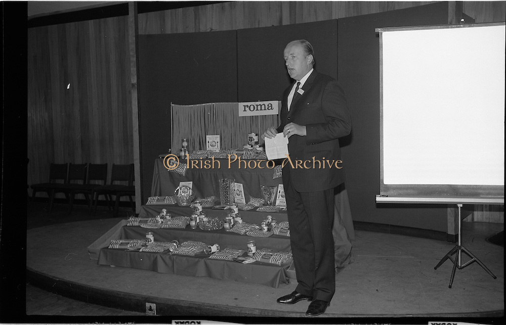 """17/09/1968<br /> 09/17/1968<br /> 17 September 1968<br /> Roma Foods launch new cookery competition at a reception in Liberty Hall, Dublin. The """"Great Pasta Recipe Competition"""" was sponsored by Roma Food Products Ltd. in conjunction with Alitalia Airlines and the Italian State Tourist Office. Picture shows Mr Patrick Meade, Managing Director, Roma Food Products, speaking at the event."""