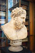 Statue of Hercules at British Museum