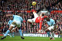 Fotball<br /> England<br /> Foto: Fotosports/Digitalsport<br /> NORWAY ONLY<br /> <br /> Wayne Rooney Scores 2nd goal<br /> Manchester United 2010/11<br /> Vincent Kompany and Micah Richards Manchester City<br /> Manchester United V Manchester City (2-1) 12/02/11 <br /> The Premier League