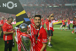 May 13, 2017 - Lisbon, Lisbon, Portugal - Benfica's forward Pizzi from Portugal celebrating the tetra title with his team mates after the match between SL Benfica and Vitoria SC for the Portuguese Primeira Liga at Estadio da Luz on May 13, 2017 in Lisbon, Portugal. (Credit Image: © Dpi/NurPhoto via ZUMA Press)