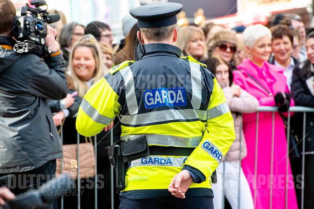 GALWAY - Politie bij een bezoek aan Tig Coili in Galway.