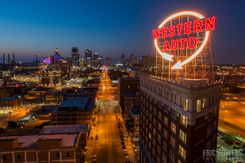 Kansas City Western Auto Building and Sign