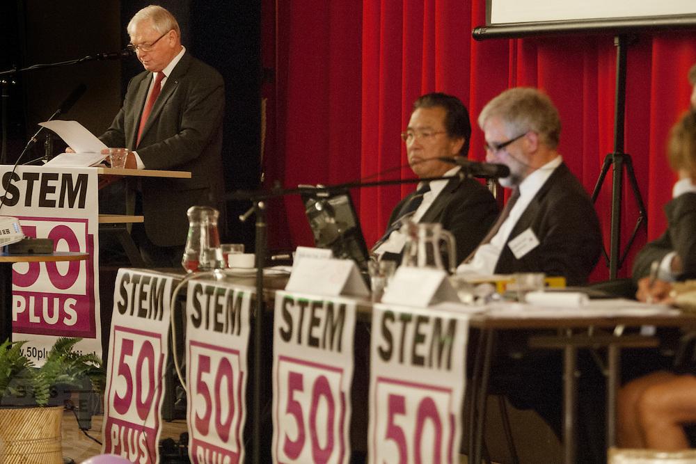 Jan Nagel houdt een toespraak. In Hilversum houdt de 50Plus partij haar verkiezingscongres. Tijdens het partijcongres wordt Henk Krol gekozen tot de lijsttrekker. Jan Nagel is de partijvoorzitter. <br /> <br /> Jan Nagel speeches at the congress. The 50Plus party, a political party aiming mostly at the people of 50 years and older, is having its congress in Hilversum. Henk Krol, former chief editor of the Gaykrant, is elected as leader. Jan Nagel is the chairman.