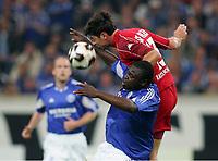 v.l. Gerald ASAMOAH Schalke, Ciriaco SFORZA<br /> Bundesliga FC Schalke 04 - 1. FC Kaiserslautern<br /> Norway only