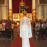 NLD/Amsterdam/20150620 - Huwelijk Kimberly Klaver en Bas Schothorst, bruid Kimberly Klaver in de kerk