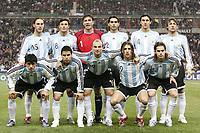 Fotball<br /> Foto: Dppi/Digitalsport<br /> NORWAY ONLY<br /> <br /> FOOTBALL - FRIENDLY GAME 2006/2007 - FRANKRIKE v ARGENTINA - 07/02/2007 - ARGENTINA TEAM (BACK ROW LEFT TO RIGHT: GABRIEL MILITO / JAVIER ZANETTI / ROBERTO ABBONDANZIERI / ROBERTO AYALA / NICOLAS BURDISSO / GABRIEL HEINZE. FRONT ROW: LUIS GONZALEZ / JAVIER SAVIOLA / ESTEBAN CAMBIASSO / HERNAN CRESPO / FERNANDO GAGO) <br /> LAGBILDE ARGENTINA