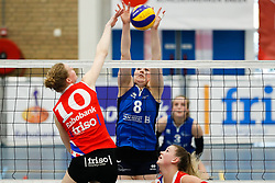 20170430 NED: Eredivisie, VC Sneek - Sliedrecht Sport: Sneek<br />Klaske Sikkes (10) of VC Sneek , Lynn Thijssen (8) of Sliedrecht Sport <br />©2017-FotoHoogendoorn.nl / Pim Waslander