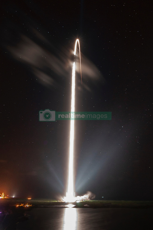May 23, 2019 - Cape Canaveral, FL, United States - A long exposure showing the SpaceX Falcon 9 rocket blasting off carrying a payload of 60 Starlink satellites from the Kennedy Space Center May 23, 2019 in Cape Canaveral, Florida. The Falcon 9 rocket lifted the massive payload of small satellites into low-Earth orbit which will form the backbone of the new Starlink internet service. (Credit Image: © Spacex via ZUMA Wire)
