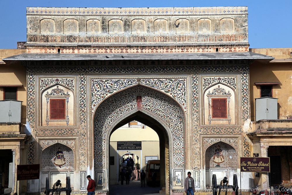 Asia, India, Jaipur. Virendra Pol, entry gate to the Jaipur City Palace.