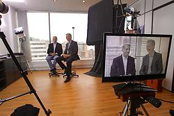 José Fortunati com o ex-prefeito José Fogaça durante gravação do  programa eleitoral de TV. FOTO: Jefferson Bernardes/Preview.com
