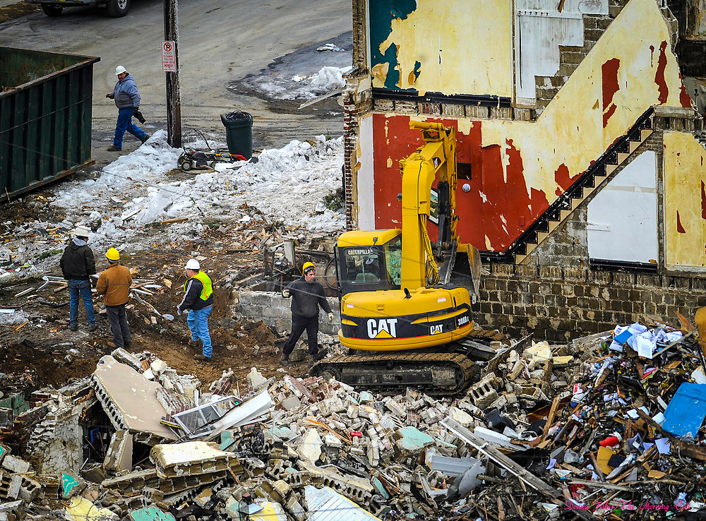 Gas explosion at 13th and Allen Streets, Allentown, Pa. which happened on the night of February 9, 2011. Scene at 13th and Allen.   ////            DONNA FISHER/THE MORNING CALL     ALLENTOWN    Pic made Thursday, FEBRUARY 10, 2011