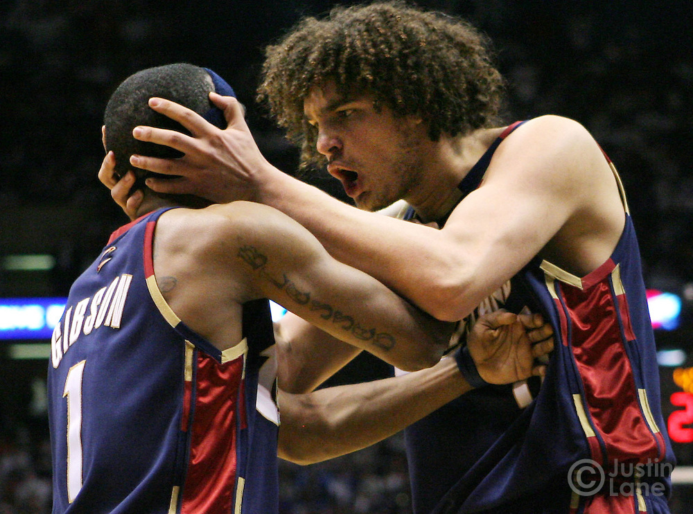 The Cavaliers' Anderson Varejao (R) tries to inspire his teammate Daniel Gibson (L) during the second half of game 6 of the Eastern Conference semifinals between the Cleveland Cavaliers and the New Jersey Nets at Continental Airlines Arena in East Rutherford, New Jersey on 18 May 2007. The Cavaliers' defeated the Nets 88-72 and as a result won their series, 4-1.