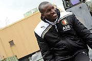 Feyenoord-selectie  krijgt maandag in Amersfoort een militaire training. Op uitnodiging van de Koninklijke Landmacht is de A-selectie een dag te gast op de Bernhardkazerne.<br /> <br /> Op de foto: Sekou Cisse