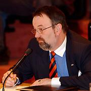 Intallatie nieuwe raadsleden gemeente Huizen, VVD fractie Carel Bikkers
