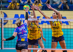 18-05-2019 GER: CEV CL Super Finals Igor Gorgonzola Novara - Imoco Volley Conegliano, Berlin<br /> Igor Gorgonzola Novara take women's title! Novara win 3-1 /  Michelle Bartsch-Hackley #14 of Igor Gorgonzola Novara, Joanna Wolosz #14 of Imoco Volley Conegliano, Robin de Kruijf #5 of Imoco Volley Conegliano