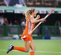 - Vreugde bij Kim Lammers   na het nemen van de laatste strafbal , donderdag tijdens de halve finale  bij de World Cup 2010 vrouwen hockey tussen Nederland en Engeland in het Argentijnse Rosario. Oranje wint na strafballen en plaatst zich voor de finale.