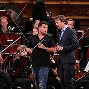 NLD/Haarlem/20121002- Opname AVRO's programma Maestro, presentator Frits Sissing en Wolter Kroes