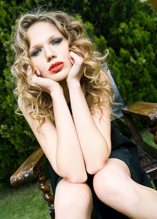 Modelo: Eugenia Daudova; Maquillaje: Carolina P. Valenzuela. Ayudante de Fotografía: Álvaro Herrero.