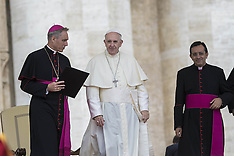 Vatican: Pope Francis celebrates Weekly General Audience, 21 September 2016