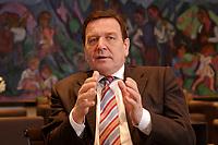 09 JAN 2002, BERLIN/GERMANY:<br /> Gerhard Schroeder, SPD, Bundeskanzler, waehrend einem Interiew, in seinem Buero, Bundeskanzleramt<br /> Gerhard Schroeder, SPD, Federal Chancellor of Germany, during an interview, in his office<br /> IMAGE: 20020109-02-009<br /> KEYWORDS: Gerhard Schröder