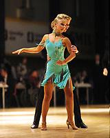 Dans, NM flerdans 10. november 2001. Junior Elite. Vincent Stoltenberg Bjaanes og Andrea Vatne Olsen, Bårdar.
