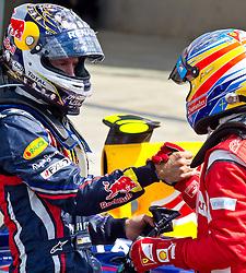 10-10-2011 ALGEMEEN: HANDEN IN DE SPORT: AL OVER THE WORLD<br /> Handshaking, handen, signs, handje klap, begroeting, handshaking, yell, bal, vreugde, hands, celebrate, sport, sports, autosport, item<br /> ©2012-FotoHoogendoorn.nl
