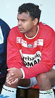 Caleb Francis, Kongsvinger, på reservebenken. Kongsvinger - Hamkam 1-1. 1. divisjon 2000, 1. juni 2000. (Foto: Peter Tubaas/Fortuna Media AS)