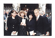 Ivana Lowell, Marchioness of dufferin & Ava, Evgenia Sands and Julian Sands. memorial service for Maureen, Marchioness of Dufferin & Ava. St. Margaret's. Westminster. London. 15/7/98. film 98525f22 © Copyright Photograph by Dafydd Jones 66 Stockwell Park Rd. London SW9 0DA Tel 0171 733 0108