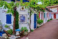 France, Pyrénées-Atlantiques (64), Pays Basque, Biarritz, le port des pêcheurs, quartier des crampotes // France, Pyrénées-Atlantiques (64), Basque Country, Biarritz, the fishermen's port, crampotes district