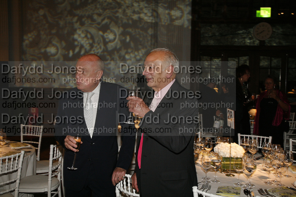 Roger Bramble and Richard Polo, Sadler's Wells Celebrates. Benefit evening for Sadler's Wells hosted by Angela Bernstein and Alistair Spalding. The Royal Horticultural Halls. London. 25 September 2006. -DO NOT ARCHIVE-© Copyright Photograph by Dafydd Jones 66 Stockwell Park Rd. London SW9 0DA Tel 020 7733 0108 www.dafjones.com