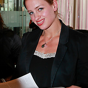 NLD/Ridderkerk/20110526 - Presentatie Helden magazine 9, Suzanne Harmes