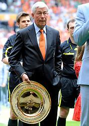 05-06-2010 VOETBAL: NEDERLAND - HONGARIJE: AMSTERDAM<br /> Nederland wint met 6-1 van Hongarije / Henk Kesler<br /> ©2010-WWW.FOTOHOOGENDOORN.NL