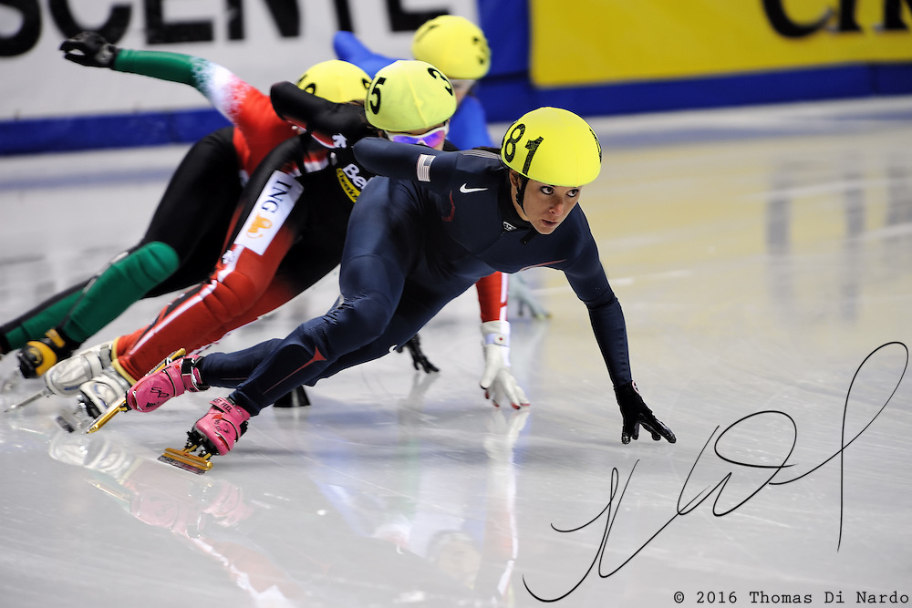 2008 World Cup Short Track - Vancouver - Allison Baver (USA) leads Valerie Maltais (CAN) during 1000m (2) Ladies Heat Race 4.